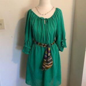 Green balloon sleeve dress